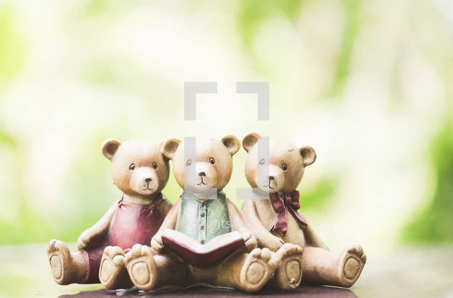 three bears figurine