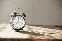alarm clock 12:00