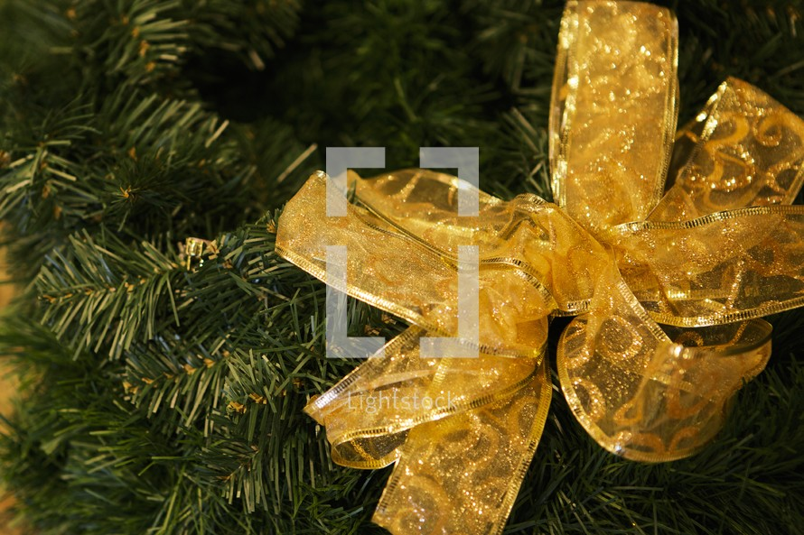 bow on a Christmas tree