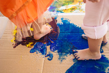 finger painting with feet