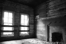 an empty room in an old abandoned house