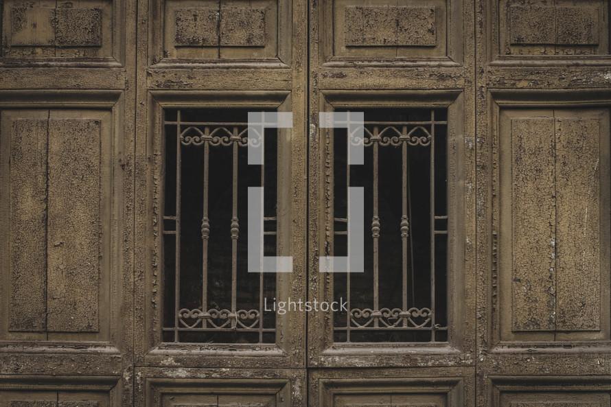 wooden doors in Italy