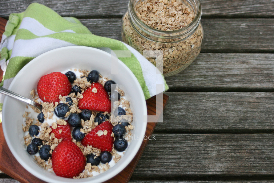 granola, yogurt, and berries