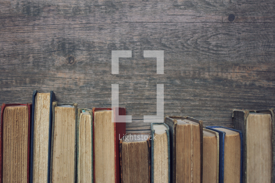 vintage books border