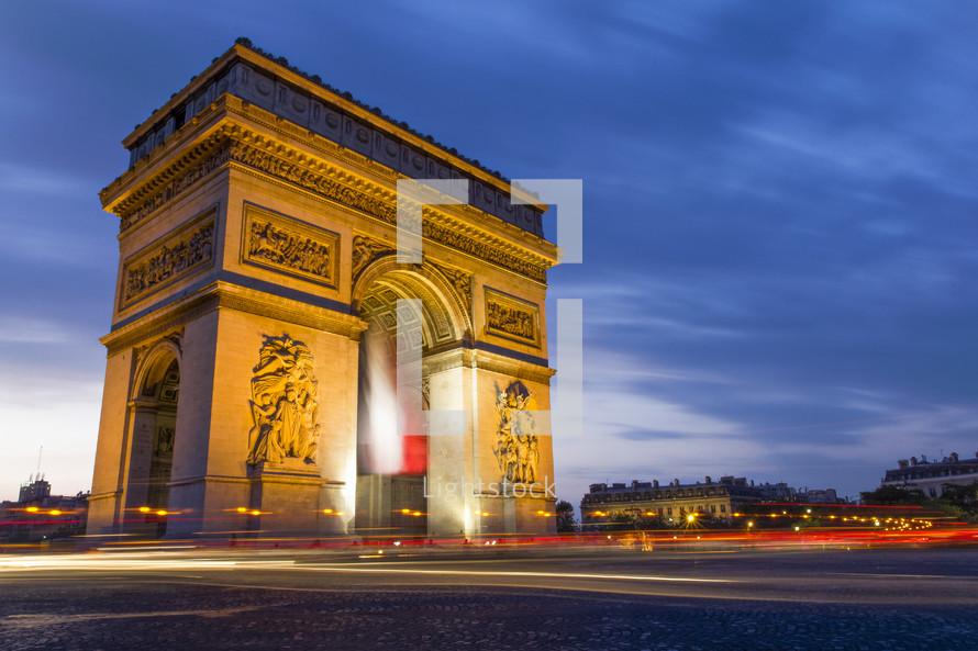 Arc de Triomphe at dusk