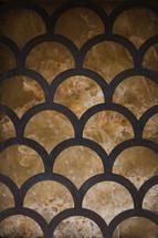 scalloped pattern