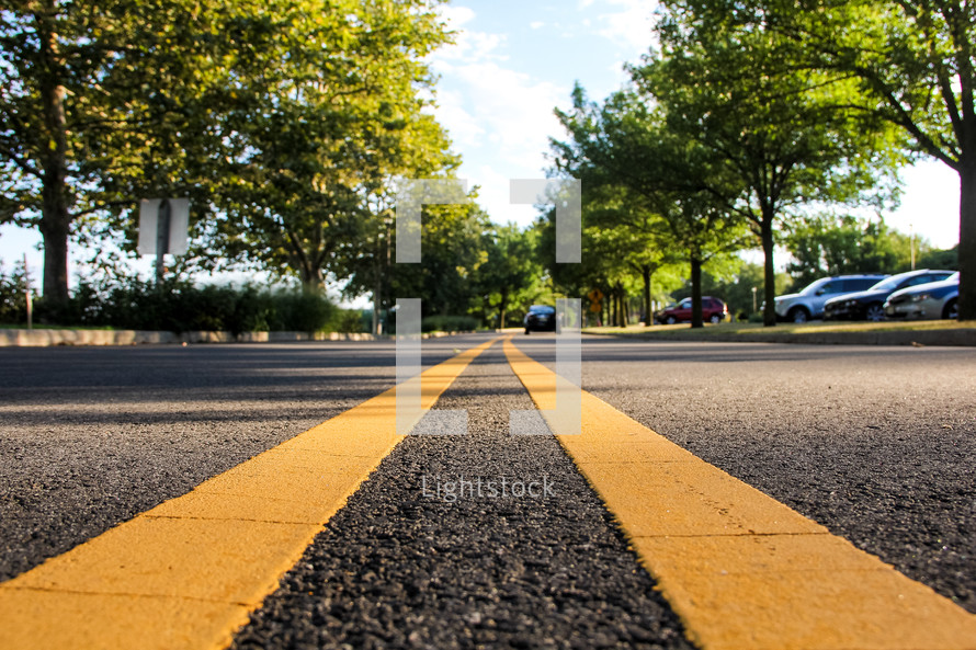 center yellow lines on a road