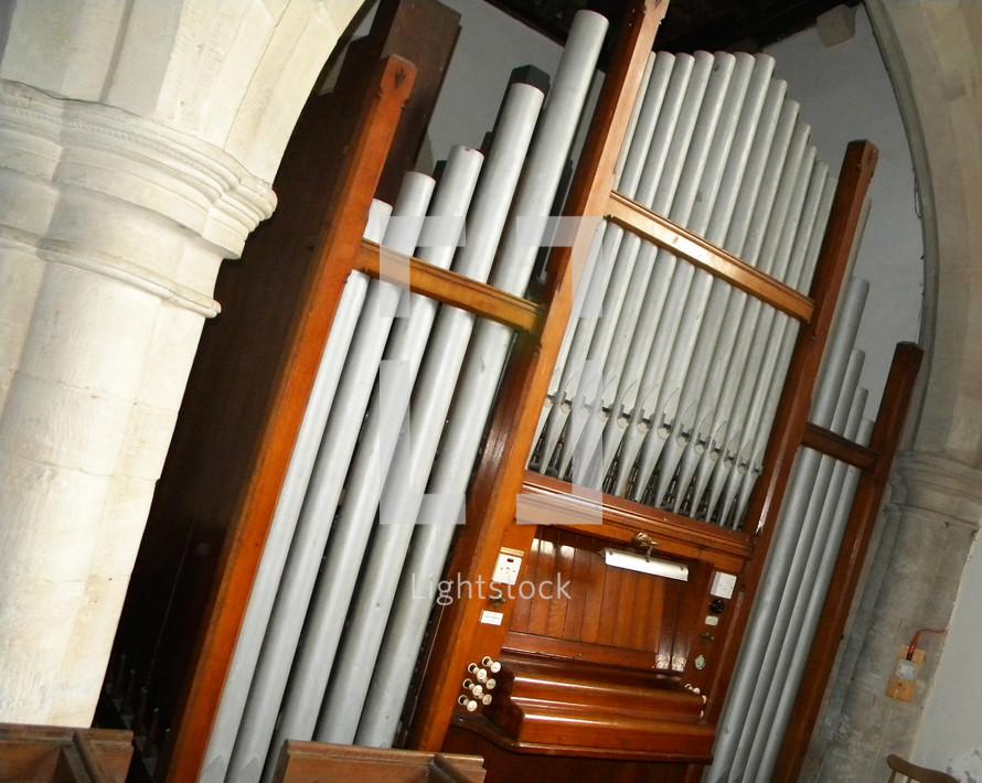 organ and organ pipes