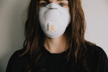 woman in a N95 mask