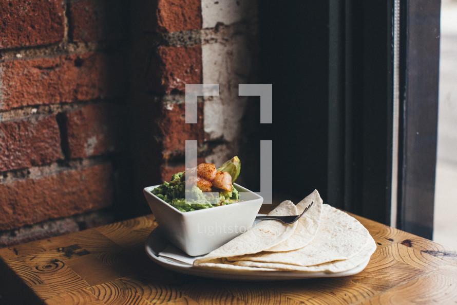 guacamole and tortillas