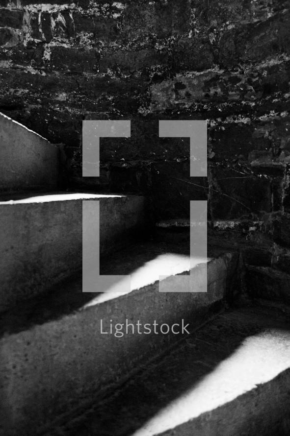 Spiral cement steps