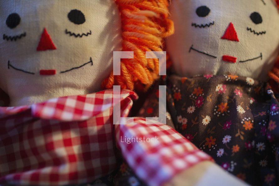 Raggedy Anne and Raggedy Andy dolls