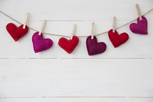 felt hearts on clothespins