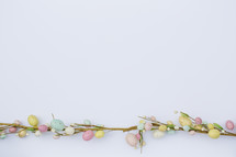 Easter garland with Easter eggs
