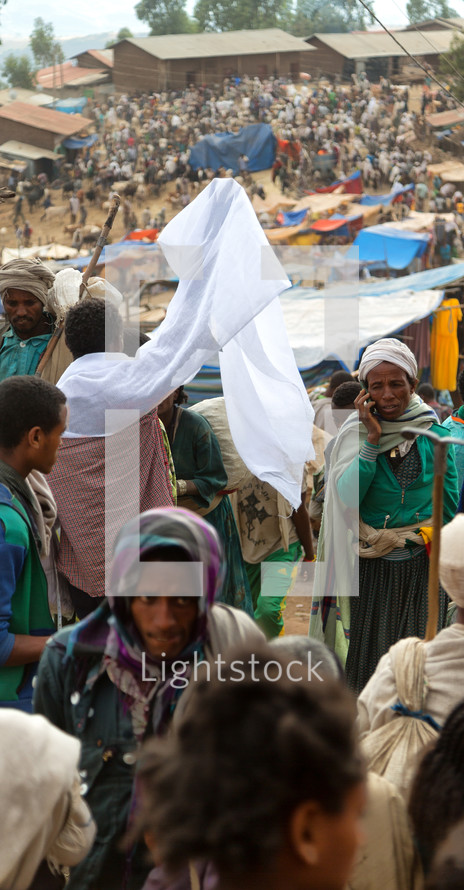 crowds in a market in Ethiopia