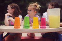 children at a lemonade stand