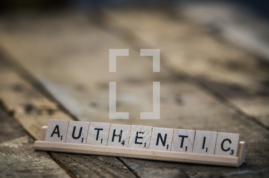 word AUTHENTIC in scrabble pieces