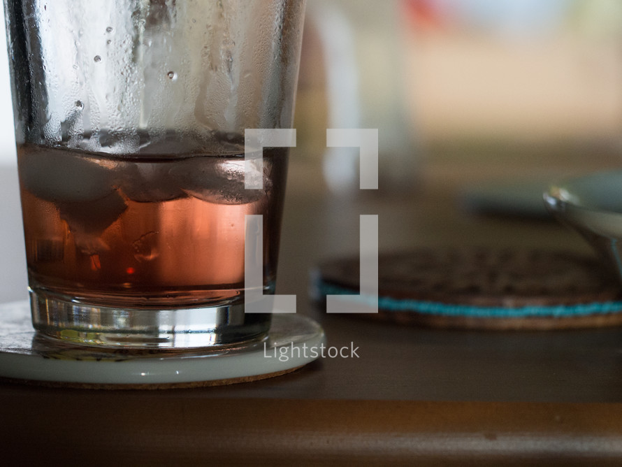 ice in glass of tea