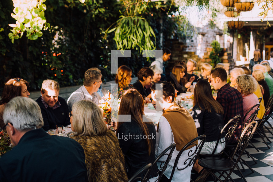 large dinner reception outdoors