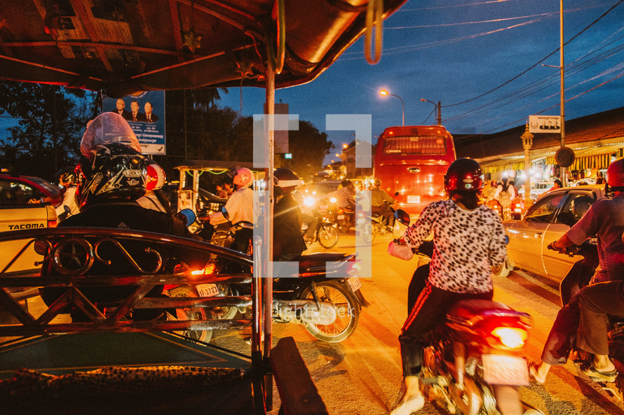 streets of Cambodia at night