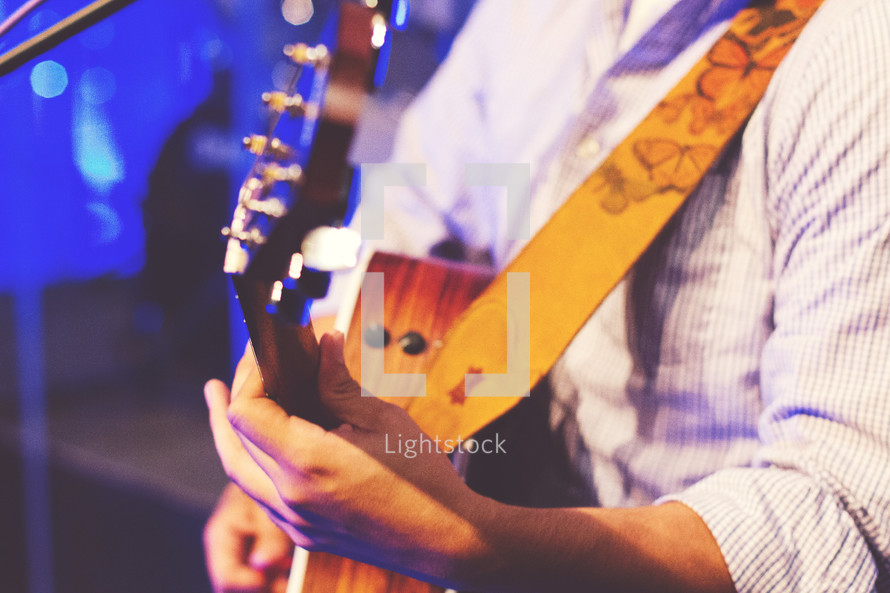 guitar, acoustic guitar, man, playing, music, on stage, musician, hand