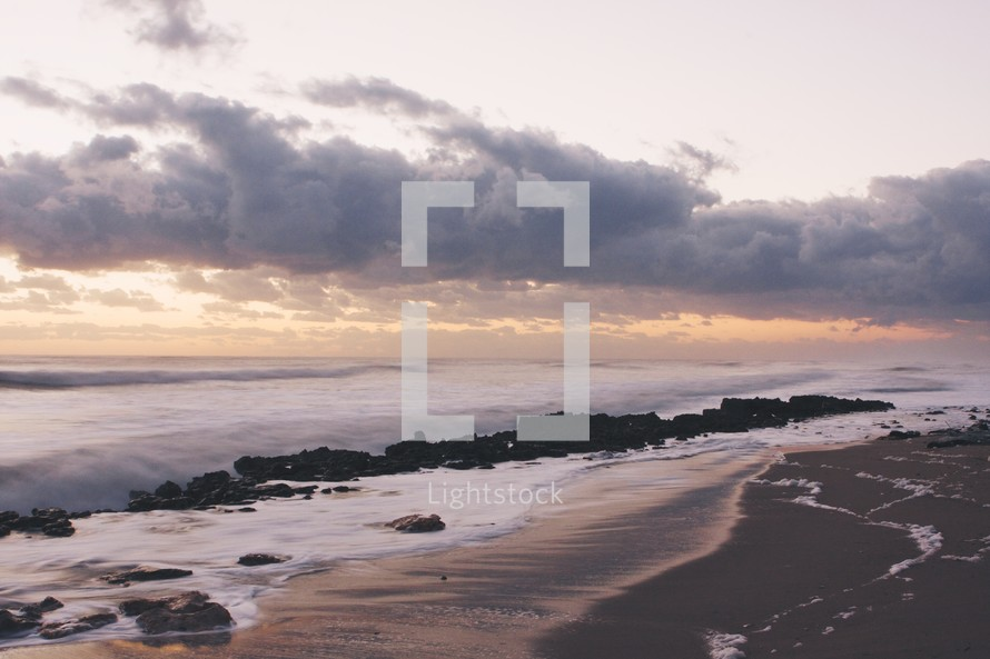 Ocean shore line