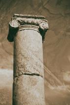 classical heritage column