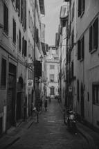 narrow streets in Rome, Italy