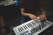 mini keyboard to create music