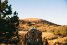 viewfinder pointing to a mountain