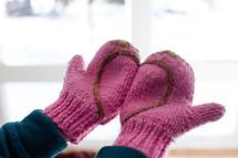 heart shape on mittens