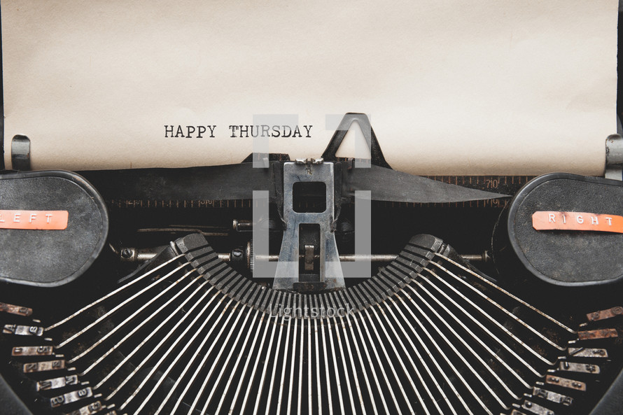 Happy Thursday and a vintage typewriter