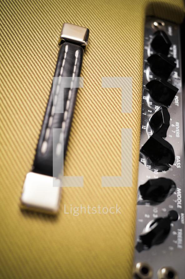 amplifier handle