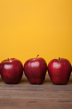 apples on a teacher's desk