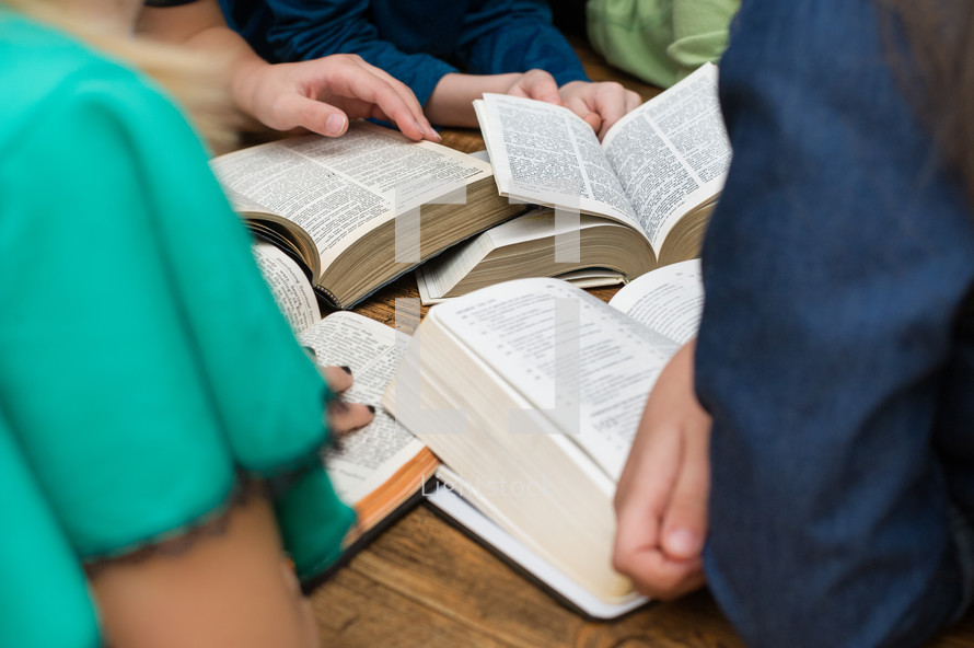 children reading Bibles