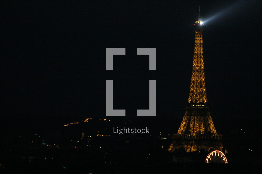 light from the Eiffel tower