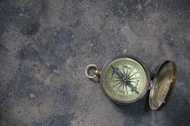 Antique magnetic pocket compass
