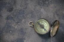Antique magnetic pocket compass