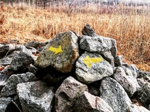 arrows painted on rocks