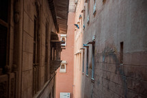 narrow space between buildings in Bikaner, India