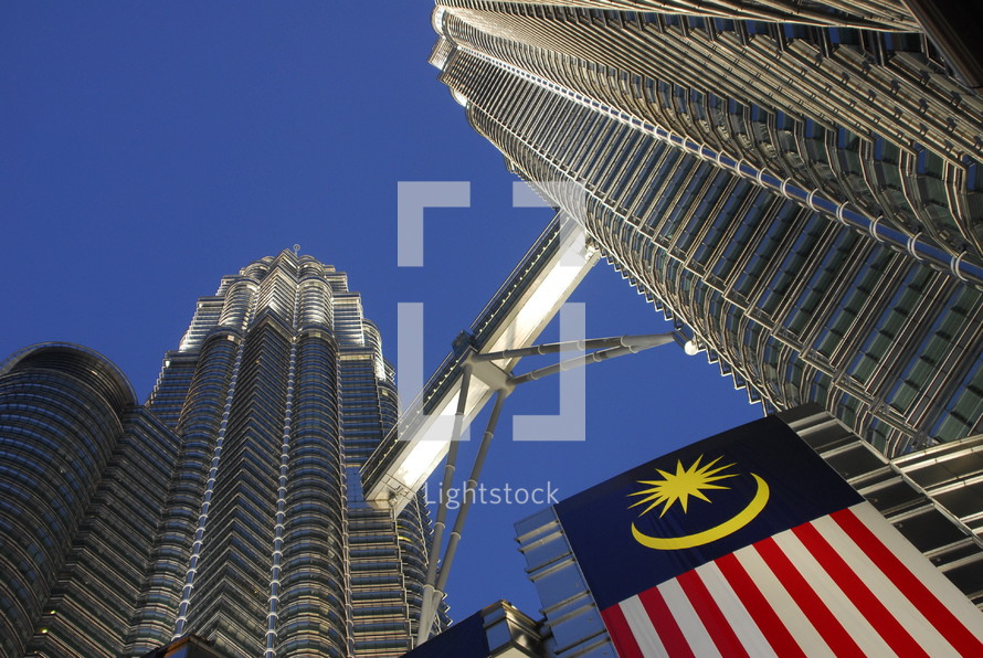 Petronas Tower skyscrapers connected by bridge