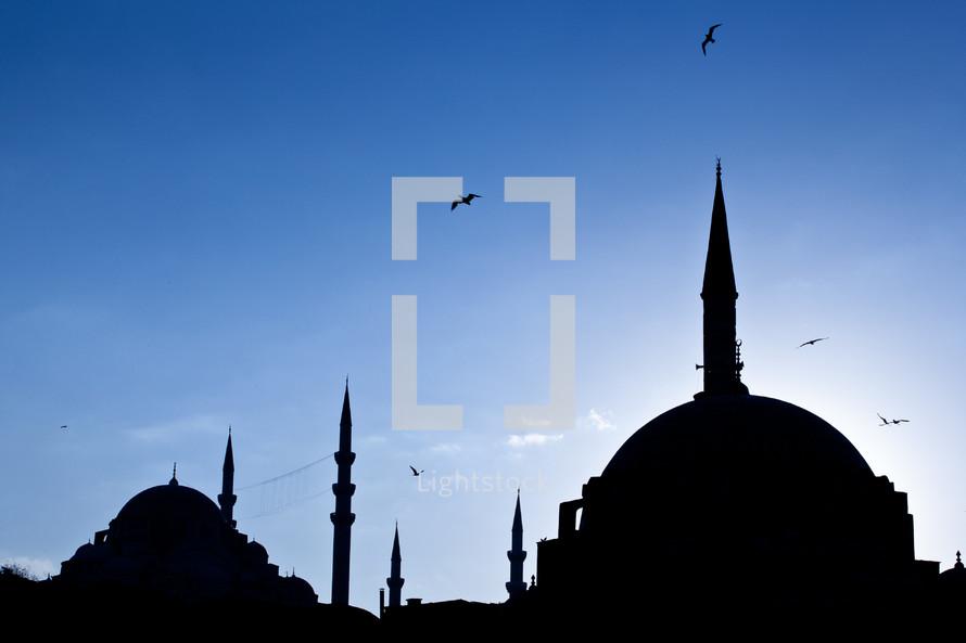 silhouette of Rustem Pasha Mosque