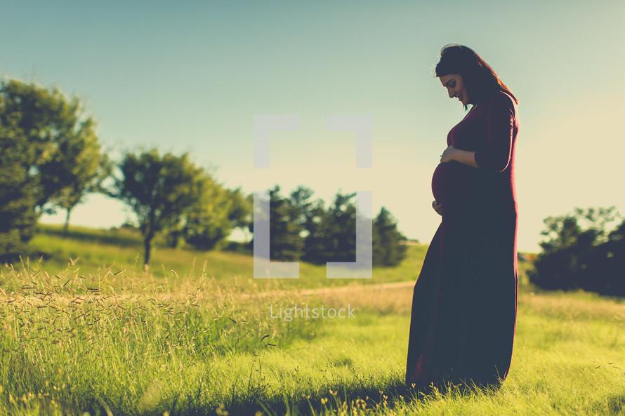 A pregnant Latino woman