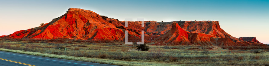 Sunrise over the Gloss Mountain State Park
