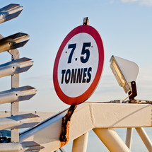 harbor sign in Liverpool - 7.5 tonnes sign