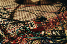 guitar pedals and cables