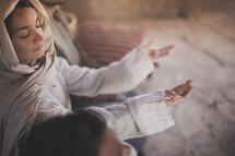 biblical woman in prayer