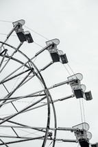 a ferris wheel in black and white