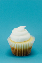 cupcake with vanilla icing