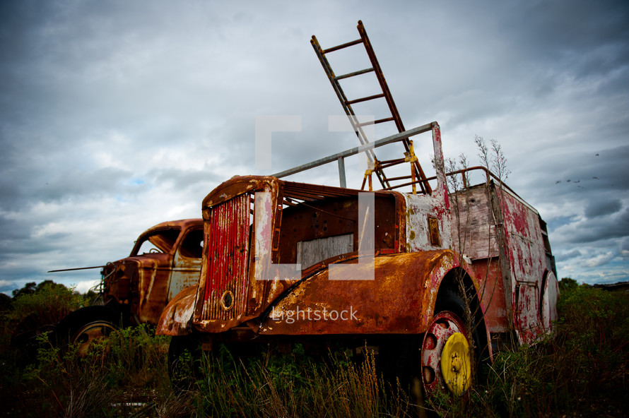 rusted old fire truck